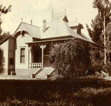Photograph of the Parker home at 610 S. Oakland Avenue, 1883; Charles and Millard Parker Collection (CMP.1.24)